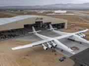 У США створено найбільший у світі літак для запуску космічних ракет (відео)