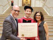 Марк Цукерберг стал почетным доктором Гарварда и сделал перспективное предложение для американцев