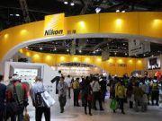 Nikon припиняє продаж серії бездзеркальних камер