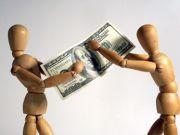 Банки без дозволу списуватимуть борги з рахунків українців: як цього уникнути