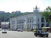 Гостиний двір у Києві віддають Мінкульту
