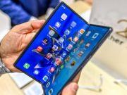 Huawei запатентовала гибкий смартфон с семью дисплеями