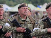 Держбюджет-2018: Порошенко анонсував збільшення коштів на армію майже на 25%
