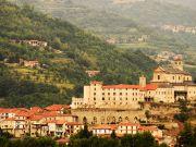Мер італійської провінції пообіцяв роздавати гроші новим мешканцям