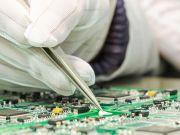 Дефицит чипов привел к росту цен на компьютеры, смартфоны и планшеты