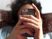 Бразильці витрачають на смартфон 5 годин на день, на другому місці - китайці