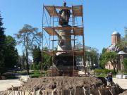 В Чернигове за 700 тысяч грн памятник Хмельницкому развернут спиной к Москве