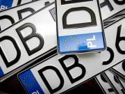 Авто на єврономерах: стало відомо, скільки посередники заробили на українцях