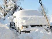 За брошенный в снегопад автомобиль придется платить штраф