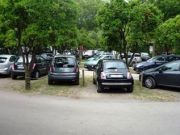 У 70% житлових комплексів передмістя Києва відсутній паркінг (інфографіка)