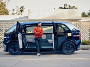 Canoo планирует запустить первый в мире сервис подписки на электромобили