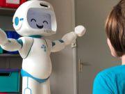 Ученые создали робота, который поможет детям с аутизмом общаться с терапевтом (видео)