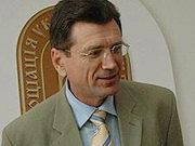 Експерт: Євро дешевшає, але грати на курсах не варто