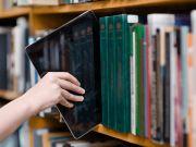 Экс-чиновницу Николаевской ОГА подозревают в растрате 16 млн грн на закупках некачественных е-учебников