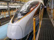 У Китаї почне курсувати найдовший швидкісний поїзд у світі (фото)