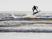 Створено дошку для серфінгу з реактивним двигуном