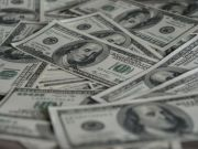 Міжбанк: курс долара і євро значно просів