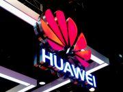 Huawei пропонує вбудувати невеликий екран в зону квадрокамери смартфона