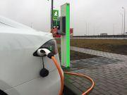 В Одесі з'явилися зарядні станції для електрокарів на 15 парковках