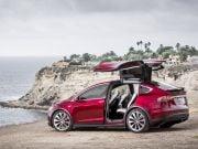 Tesla отзывает 2,7 тыс. кроссоверов Model X