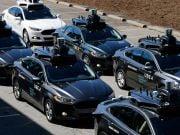 На ринку робомобілів змагаються моделі «айфона» і «андроїда»
