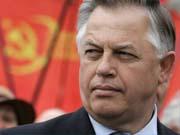 Симоненко закликає не вважати міністрів політиками