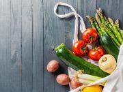 Гречка та фрукти: які продукти найбільше подорожчали у квітні