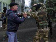 Озброєні сепаратисти розігнали мирний мітинг в Слов'янську