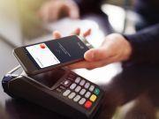 Українці частіше здійснюють оплати та купують в Інтернеті, менше та рідше знімають готівку - дослідження