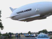Самый большой летательный аппарат снова поднялся в небо (видео)