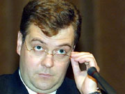 Медведев пообещал увеличить пенсии вдвое