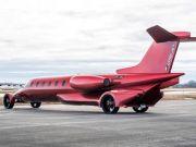 Унікальний лімузин-літак виставили на продаж (фото)