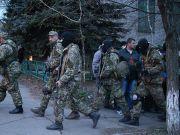 В Донецке 200 людей в масках захватили Кировский райсовет - СМИ