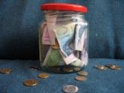 Украинцы снова запасаются валютой