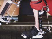 Науковці створили екзоскелет, що зменшує навантаження на ноги під час бігу (відео)