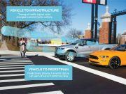 Ford планирует выпустить машины, которые будут «общаться» на дорогах