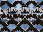 У Швейцарії розробили «розумні» сонячні панелі для фасадів будинків