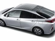 Toyota вновь ставит солнечную панель на гибрид Prius Prime