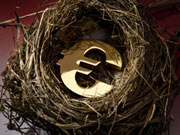 Мнение: В мае евро останется под давлением