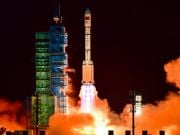 Китай запустил на орбиту новейший ретрансляционный спутник