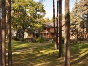 Резиденцию Януковича «Сухолучье» передали украинской сети отелей и ресторанов