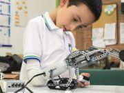 Концерн Lego створив дитячий протез-конструктор (відео)