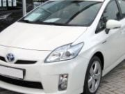Toyota отзывает почти 2 млн Prius из-за ошибок в программном обеспечении