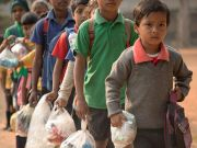 Школа в Індії в якості плати за навчання приймає пластикове сміття