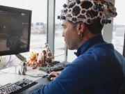 Valve работает над игровым устройством, считывающим сигналы мозга