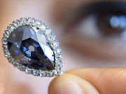 Редкий голубой бриллиант продан на аукционе Sotheby's за $6,7 млн