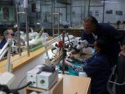 Израильский ювелир создает золотую защитную маску за 1,5 миллиона долларов (фото)