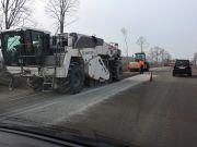 Омелян заявил о начале эры бетонных дорог в Украине