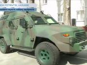 """На выставке вооружений в Абу-Даби представят украинский броневик """"Барс-8"""""""