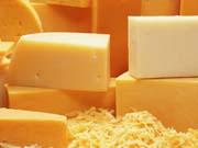 Україна стала купувати більше закордонних сирів